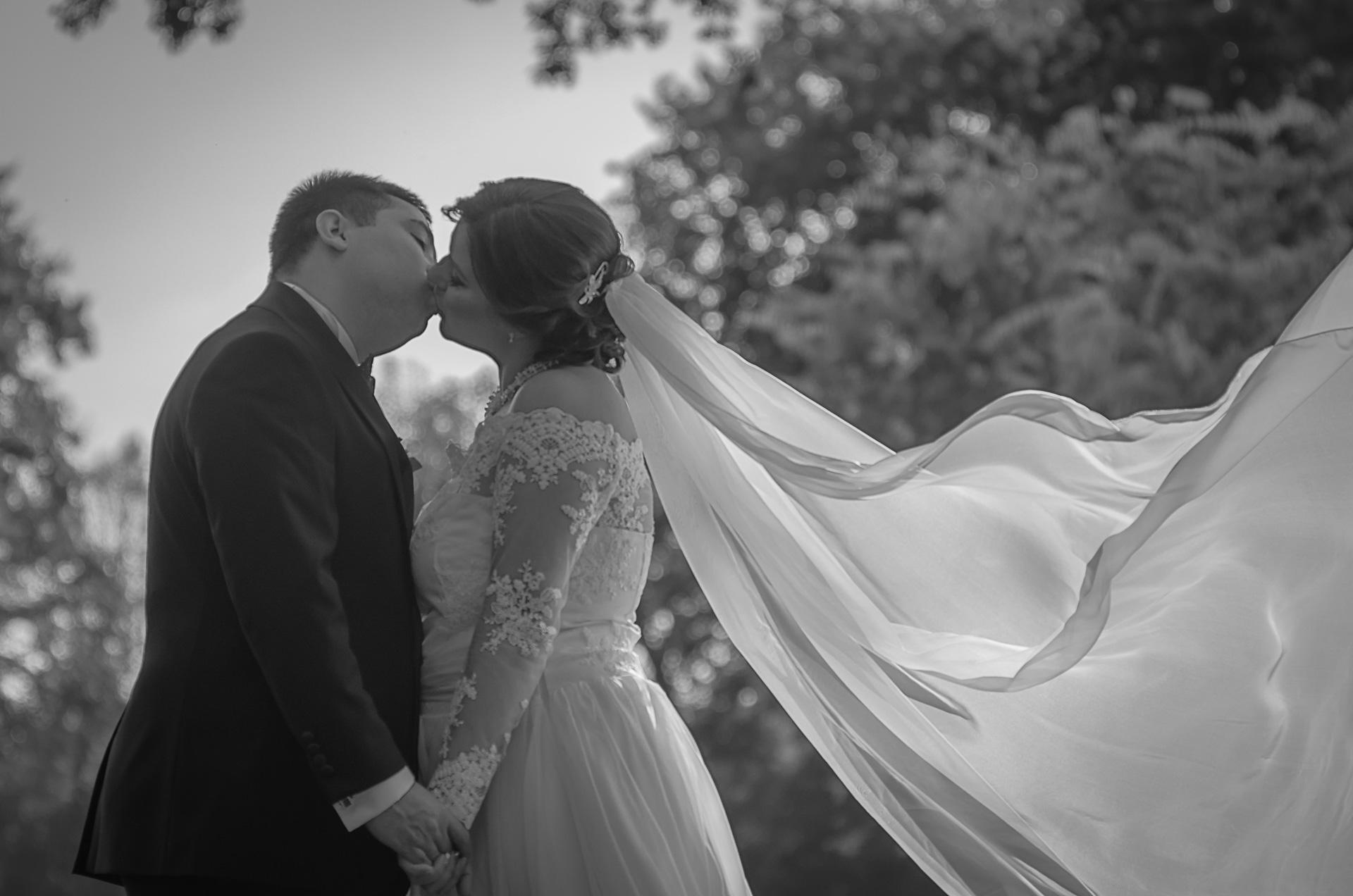 Fotograf la nunta lui Tiberiu si a Ralucai